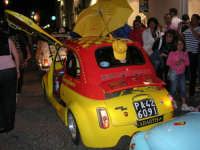 Notte Bianca - Si festeggiano i 50 anni della mitica  500: sfilata nel corso IV Aprile (cassaru strittu)- (14)- 10 agosto 2007  - Alcamo (1104 clic)