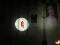Festeggiamenti Maria SS. dei Miracoli - La Festa del Paradiso - L'Assalto al Castello - Piazza Castello - 20 giugno 2008  - Alcamo (534 clic)