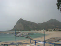 il porto, la spiaggia ed il monte Monaco - 29 marzo 2009  - San vito lo capo (1627 clic)