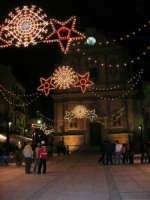 festa dell'Immacolata: illuminazione in piazza Ciullo - 8 dicembre 2006   - Alcamo (1234 clic)