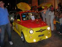 Notte Bianca - Si festeggiano i 50 anni della mitica  500: sfilata nel corso IV Aprile (cassaru strittu)- (16)- 10 agosto 2007  - Alcamo (1028 clic)