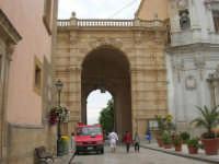 Via e Porta Garibaldi - 24 settembre 2007  - Marsala (1045 clic)