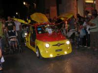 Notte Bianca - Si festeggiano i 50 anni della mitica  500: sfilata nel corso IV Aprile (cassaru strittu)- (17)- 10 agosto 2007  - Alcamo (1191 clic)