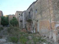 ruderi del paese distrutto dal terremoto del gennaio 1968 - 2 ottobre 2007    - Poggioreale (695 clic)