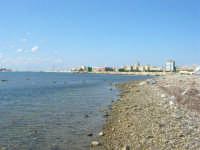 vista sulla città dalla costa oltre il porto - 28 settembre 2008   - Trapani (817 clic)
