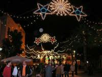 festa dell'Immacolata: illuminazione in piazza Ciullo - 8 dicembre 2006   - Alcamo (1376 clic)