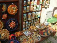 souvenir sull'acciottolato - 1 maggio 2008  - Erice (1168 clic)