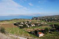 Uno sguardo dall'alto sulla Baia di Guidaloca ed il golfo di Castellammare - 21 febbraio 2009  - Castellammare del golfo (1350 clic)