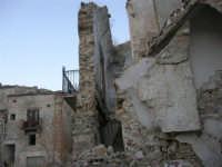ruderi del paese distrutto dal terremoto del gennaio 1968 - 2 ottobre 2007  - Poggioreale (877 clic)