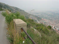 viste su Monreale, sulla Conca d'Oro e su Palermo - 17 aprile 2006  - San martino delle scale (5191 clic)