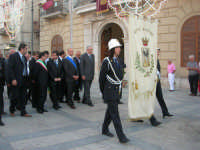 Festeggiamenti Maria SS. dei Miracoli - Cerimoniale della Calata - Discesa al Santuario - Piazza Ciullo - 20 giugno 2008  - Alcamo (1071 clic)