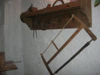 Gli altari di San Giuseppe - gli attrezzi del falegname - 18 marzo 2009   - Balestrate (5926 clic)