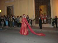 2° Corteo Storico di Santa Rita - Dinanzi la Chiesa S. Antonio - seconda uscita - Dama con i segni della Santa - 17 maggio 2008  - Castellammare del golfo (528 clic)