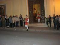 2° Corteo Storico di Santa Rita - Dinanzi la Chiesa S. Antonio - seconda uscita - I cavalieri con i segni della Santa - 17 maggio 2008  - Castellammare del golfo (679 clic)