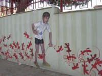 un originale murales in via Madonna del Ponte - 26 ottobre 2008   - Balestrate (1032 clic)