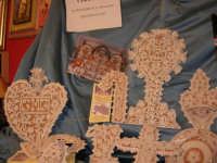 Cous Cous Fest 2007 - Expo Village - itinerario alla scoperta dell'artigianato, del turismo, dell'agroalimentare siciliano e dei Paesi del Mediterraneo - ceramiche di Poggioreale (TP), usate per addobbare gli altari di San Giuseppe - 28 settembre 2007   - San vito lo capo (2012 clic)