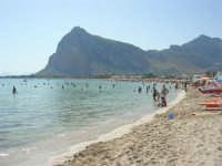 la spiaggia affollata ed il mare - 8 agosto 2008   - San vito lo capo (2711 clic)