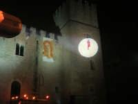 Festeggiamenti Maria SS. dei Miracoli - La Festa del Paradiso - L'Assalto al Castello - Piazza Castello - 20 giugno 2008  - Alcamo (566 clic)