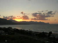Golfo di Castellammare dopo il tramonto - 9 agosto 2007  - Alcamo marina (951 clic)