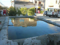 la fontana nella piazzetta - 3 marzo 2008   - Scopello (741 clic)