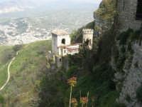 Torretta Pepoli e la città di Valderice - 1 maggio 2008     - Erice (877 clic)