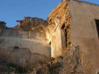 ruderi del paese distrutto dal terremoto del gennaio 1968 - 2 ottobre 2007    - Poggioreale (722 clic)