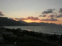 Golfo di Castellammare dopo il tramonto - 9 agosto 2007  - Alcamo marina (912 clic)