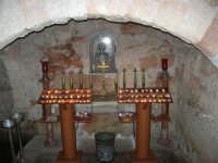 All'interno della Chiesa di San Vito: la cripta del Santo - 28 settembre 2007   - San vito lo capo (2429 clic)