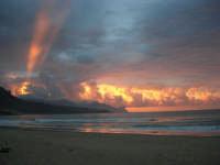 spiaggia Plaja - la natura offre il suo spettacolo - 2 giugno 2007  - Castellammare del golfo (614 clic)