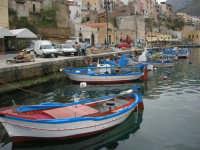 al porto le barche dei pescatori - 17 aprile 2006  - Castellammare del golfo (790 clic)