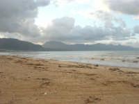 Zona Canalotto - la spiaggia ed il mare d'inverno - 8 febbraio 2009  - Alcamo marina (2436 clic)