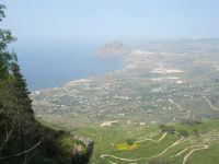 Panorama del litorale da Pizzolungo a Bonagia, a Cornino e monte Cofano - entroterra - 1 maggio 2008      - Erice (820 clic)