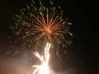 spettacolo piromusicale in piazza Bagolino, in occasione dei festeggiamenti in onore di Maria Santissima dei Miracoli, Patrona di Alcamo - 18 giugno 2007   - Alcamo (1128 clic)