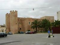 Castello dei Conti di Modica - 25 aprile 2005  - Alcamo (2358 clic)