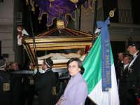 Processione del Venerdì Santo - 14 aprile 2006  - Alcamo (1395 clic)