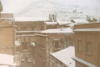 Eccezionale nevicata - Via G. Amendola, Chiesa di Sant'Oliva e monte Bonifato - 1982  - Alcamo (1235 clic)