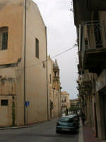 Per le vie di Alcamo: via Mazzini - 25 aprile 2005  - Alcamo (1741 clic)