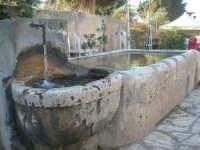 la fontana nella piazzetta - 3 marzo 2008   - Scopello (721 clic)