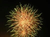 spettacolo piromusicale in piazza Bagolino, in occasione dei festeggiamenti in onore di Maria Santissima dei Miracoli, Patrona di Alcamo - 18 giugno 2007   - Alcamo (1222 clic)