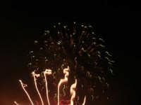 spettacolo piromusicale in piazza Bagolino, in occasione dei festeggiamenti in onore di Maria Santissima dei Miracoli, Patrona di Alcamo - 18 giugno 2007   - Alcamo (1100 clic)