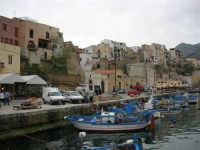 al porto le barche dei pescatori - 17 aprile 2006  - Castellammare del golfo (789 clic)