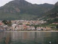 dal porto il paese - 17 aprile 2006  - Castellammare del golfo (1201 clic)
