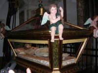 Venerdì Santo: processione del Cristo Morto e dell'Addolorata - all'interno della Chiesa di Sant'Oliva - 21 marzo 2008   - Alcamo (1100 clic)