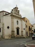Per le vie di Alcamo: Chiesa della SS. Trinità - 25 aprile 2005  - Alcamo (2079 clic)