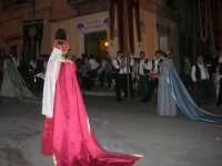 2° Corteo Storico di Santa Rita - Dinanzi la Chiesa S. Antonio - seconda uscita - Dame con i segni della Santa - Stendardieri di Petralia La Suprana - 17 maggio 2008  - Castellammare del golfo (881 clic)