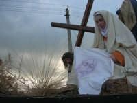 Processione della Via Crucis con gruppi statuari viventi - 5 aprile 2009   - Buseto palizzolo (1590 clic)