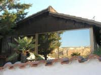 casa con riflessi: cave di marmo di Custonaci - 27 aprile 2008  - Cornino (895 clic)