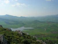 panorama e lago artificiale di Chiusa Sclafani - 23 aprile 2006   - Prizzi (2644 clic)
