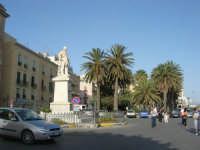 il monumento a Garibaldi nell'omonima piazza - 25 maggio 2008  - Trapani (1059 clic)