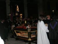 Processione del Venerdì Santo - 14 aprile 2006  - Alcamo (1283 clic)